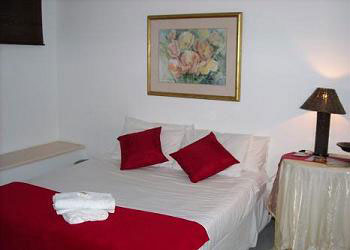 plett backpackers double room accommodation garden route